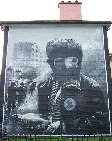 Nordirland murals paraden und identit ten the petrol bomber - Wandbild petrol ...